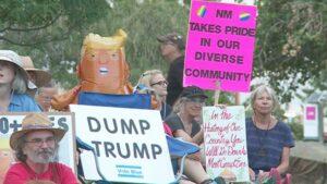TrumpProtestors2