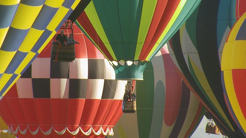 BalloonFiesta.300dpi.KNME.Pic01