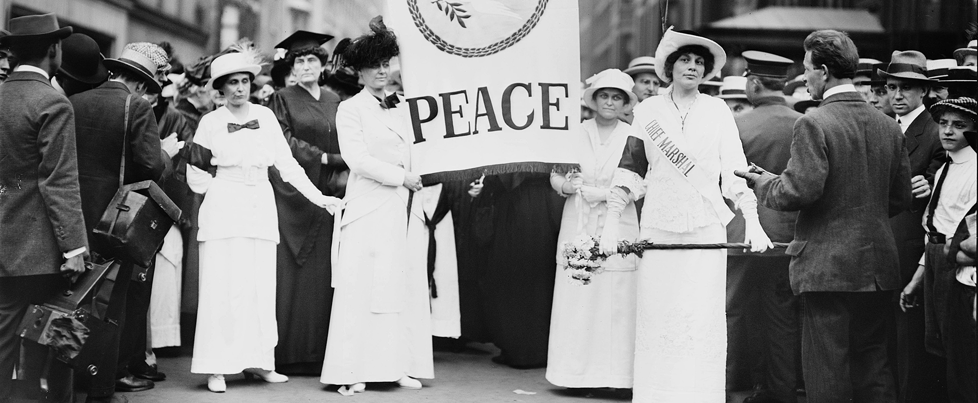 AMERICAN EXPERIENCE: The Great War - Women's Peace Parade