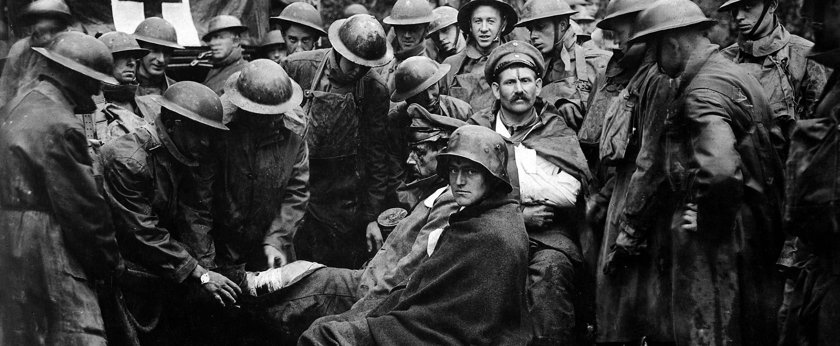 the experience of the great war How did the soldiers and their families deal with world war 1 some of the men fell to pieces because of the torment they went through and needed psychological help to recover from their experiences of war.
